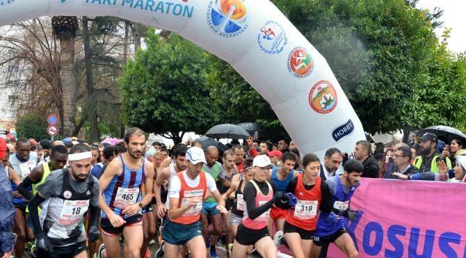 Adana'da Uluslararası Kurtuluş Maratonu koşuldu