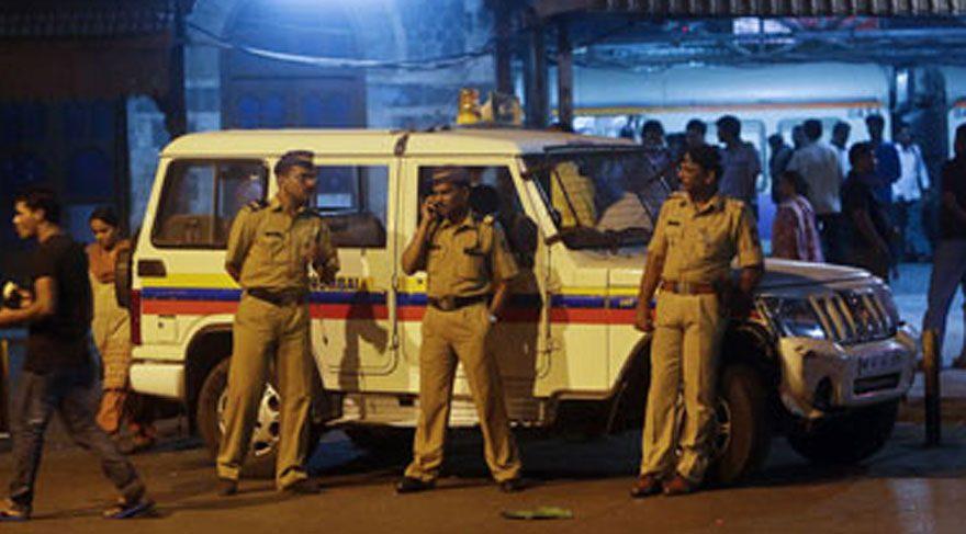 Hindistan dan korkunç haber 12 yaşındaki kız toplu tecavüz kurbanı
