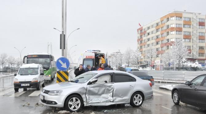 Cip ile otomobil çarpıştı: 1 yaralı