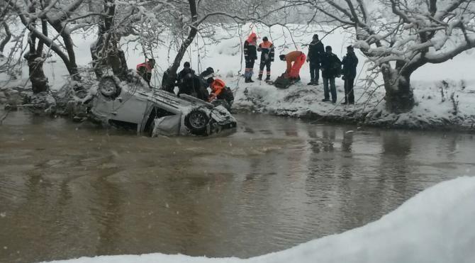 Kayıp çiftin cesetleri dereye yuvarlanan araçta bulundu