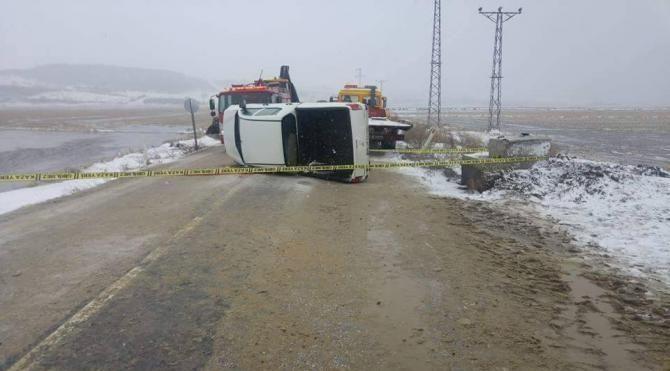 İpsala da kamyonet devrildi 1 ölü 1 yaralı