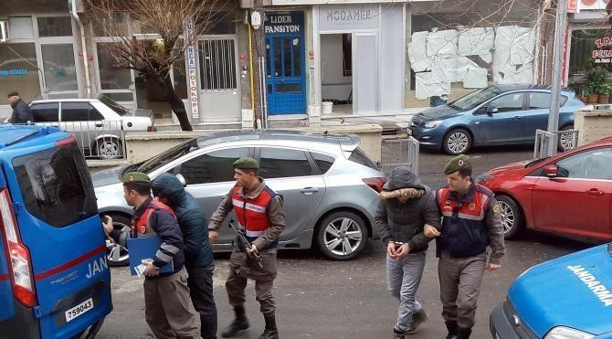 Şehit ailelerine 'konut yardımı' yalanıyla dolandırıcılık yapan 2 kişi yakalandı