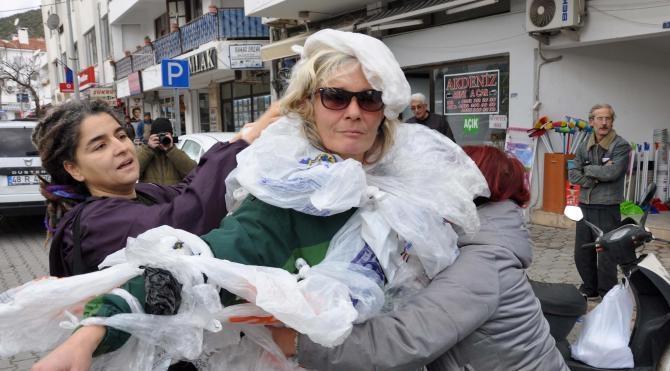 'Yetti gari plastik poşet' yürüyüşü