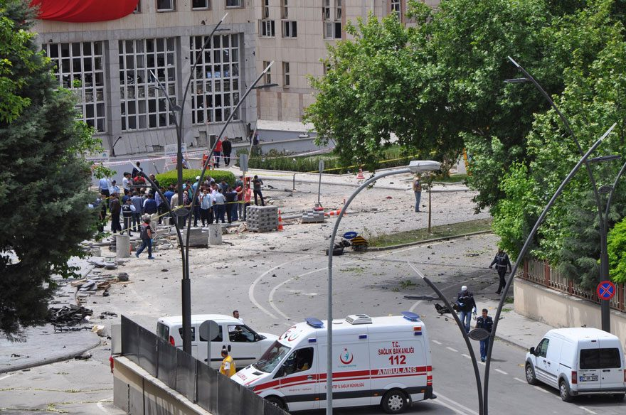 FOTO:DHA/Arşiv - 8 ay önceki saldırıda 3 polis şehit olmuştu.