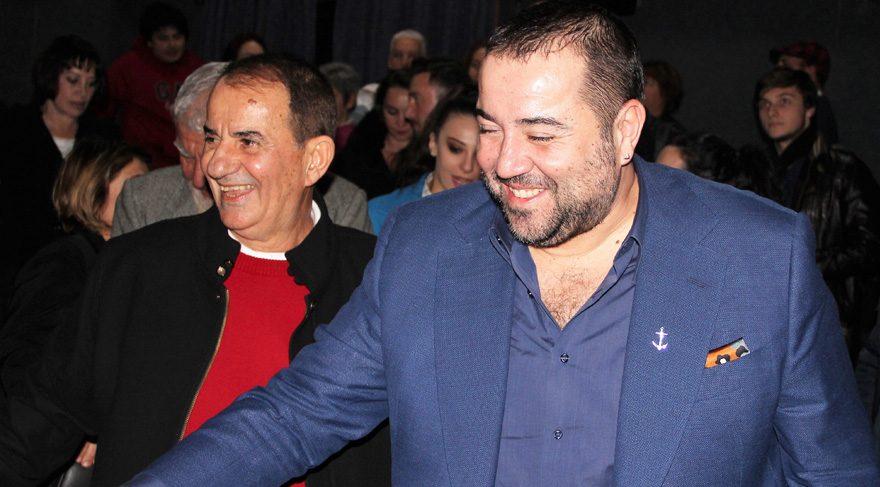 Ata Demirer, filmini babasıyla izledi