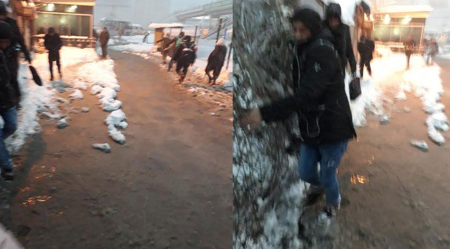 FOTOĞRAF: Gürcan GÖKPINAR / Kar suları erimiş ve yol yaklaşık yarım metre su kaplı. İnsanlar hali resimde görünüyor.