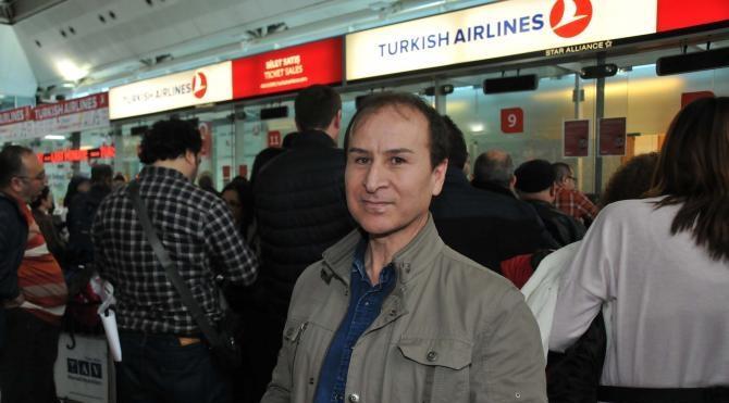 Havalimanında bilet kuyruğu