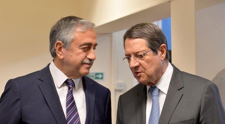 Kıbrıs görüşmelerinde iki taraf da haritalarını sundu