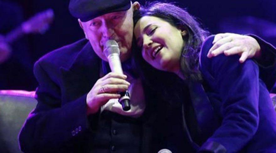 Kanser tedavisi gören Kayahan Açar, Şubat 2015'teki son konserinde Beşiktaş'ta binlerce kişiye şarkılarını söylemiş ve kısa süre sonra hayata veda etmişti.