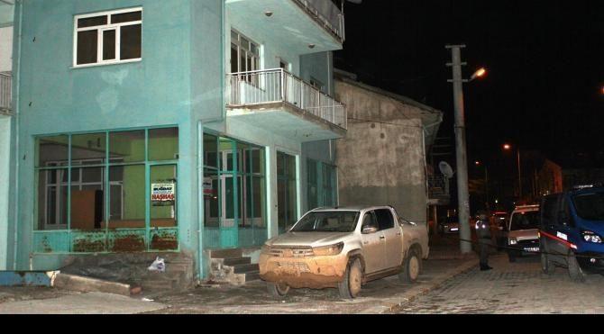 Karamanlı da silahlı kavga 1 ölü 3 yaralı