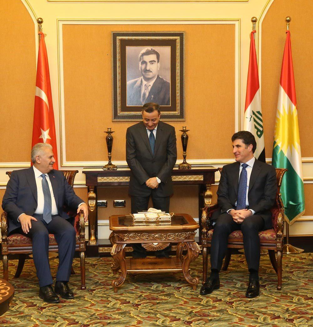 FOTO:İHA - Başbakan Yıldırım ayağının tozuyla temaslarına başladı.