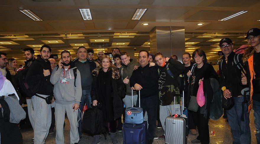 Atatürk Havalimanı nda mahsur kaldılar