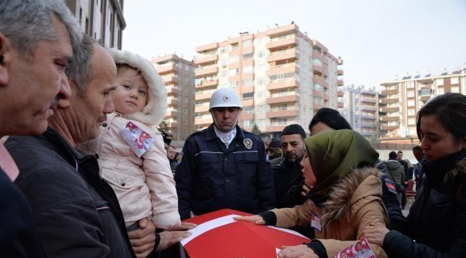 Şehit polislere Diyarbakır'da uğurlama töreni