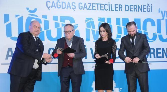 Eskişehir'de Uğur Mumcu ödülleri verildi