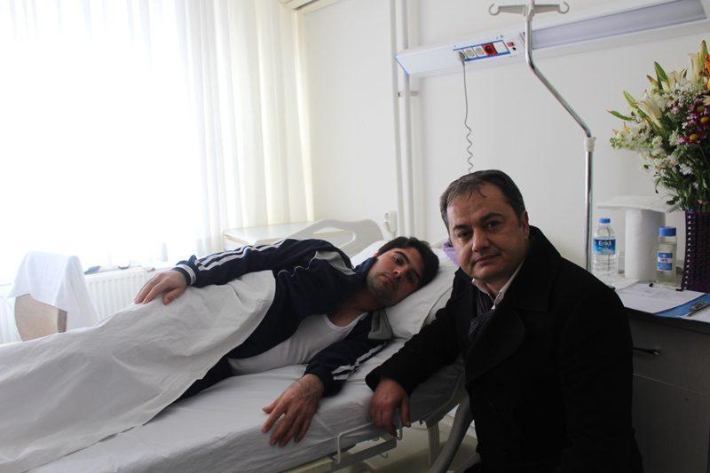 24 yaşındaki avukat Gökhan Mertol'a şarapnel parçaları isabet etmiş.