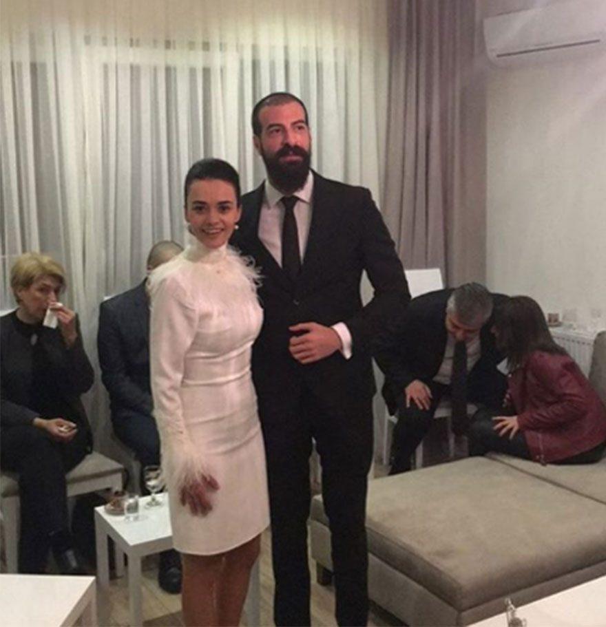 Hande Soral Ve Ismail Demirci Nişanlandı Magazin Haberleri
