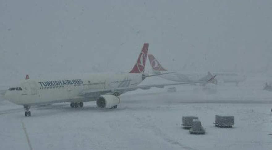 Sabiha Gökçen Havalimanı'na inişler yapılamıyor