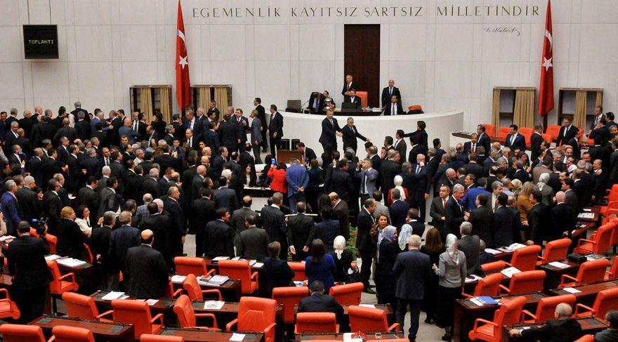AKP-MHP bloğunda 9 oy muamması