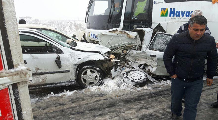 Şanlıurfa'da 30 araçlı zincirleme kaza! 2 ölü, 31 yaralı