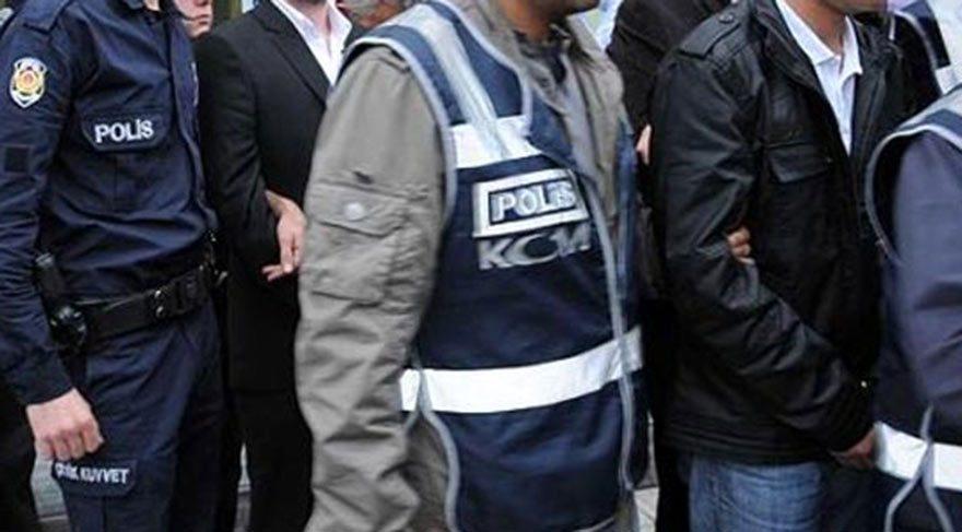 Mardin'de terör suçlamasıyla 15 öğretmen gözaltına alındı