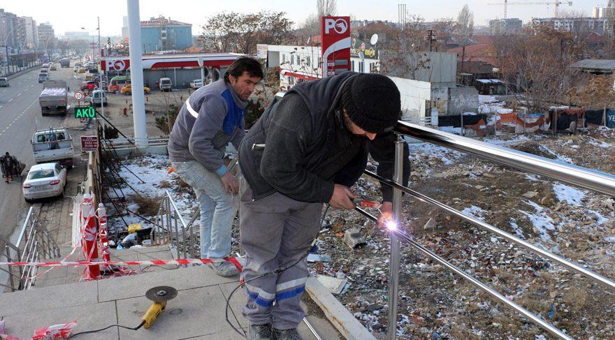 Ankara da hırsızlar yüzünden belediye plastiğe döndü