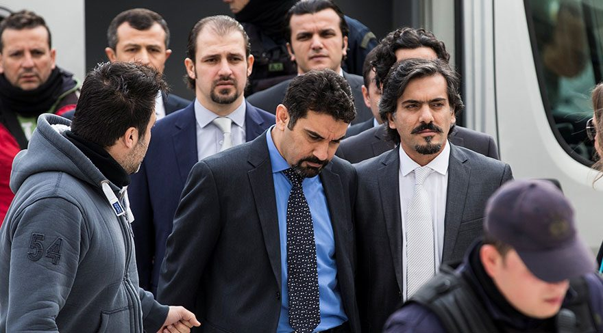 Yunanistan'daki kaçak askerlerin son hali şaşırttı!