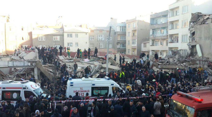 Son dakika haberi… Zeytinburnu'nda bina çöktü!