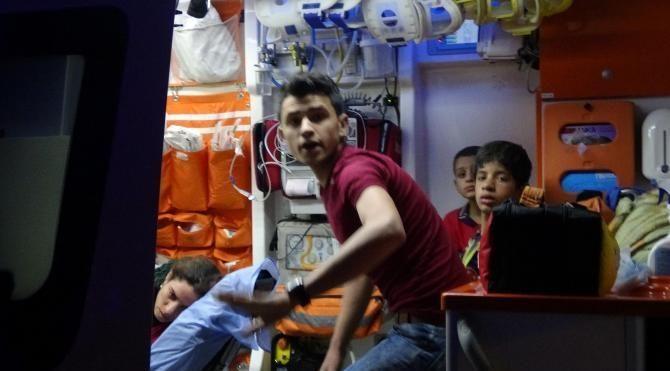 Kerpiç ev çöktü, 6'sı çocuk 8 kişi ölümden döndü