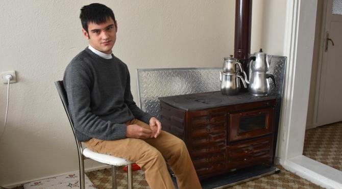 Engelli genç, videoyla başkandan kömür istedi