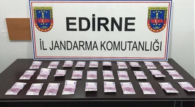 İç çamaşırında 30 sahte 500 euroluk banknot ele geçirildi