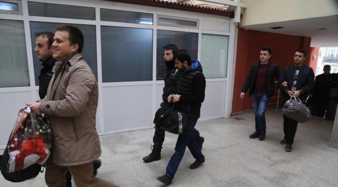 Kocaeli'de FETÖ suçlamasıyla 9 öğretmen adliyeye sevk edildi