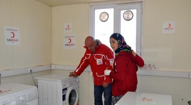 Ayvacık'ta depremzedelere mobil çamaşırhane