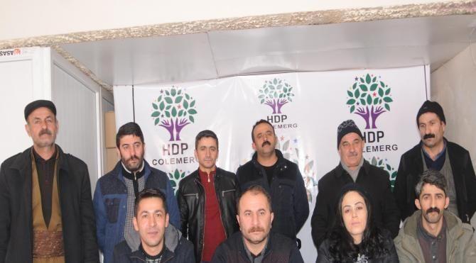 Hakkari'de HDP ve DBP 'hayır' kampanyası için kolları sıvadı
