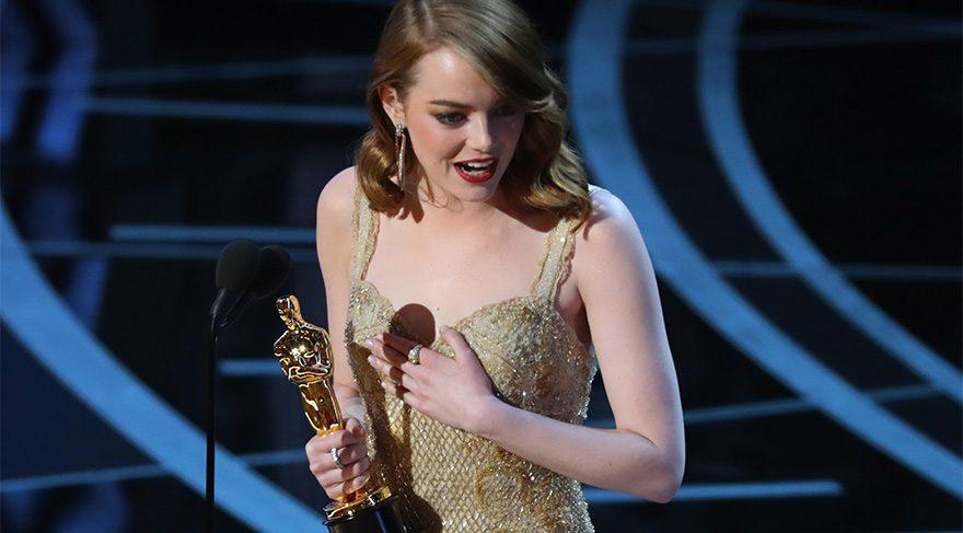 Emma Stone En İyi Kadın Oyuncu Oscarı'nı böyle aldı.