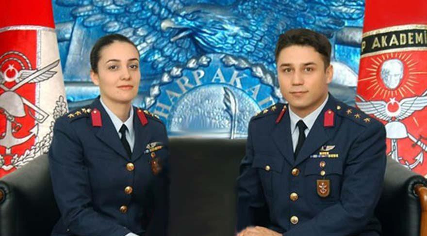 filo komutanlığı yapan ili kadın subay olarak tanınıyordu Bilgehan Bülbül, Hava Kuvvetleri'nde filo komutanlığı yapan ilk kadın subay olarak da tanınıyordu. Eşi Kurmay Yarbay Nail Bülbül de FETÖ'den ikinci kez gözaltına alındı.