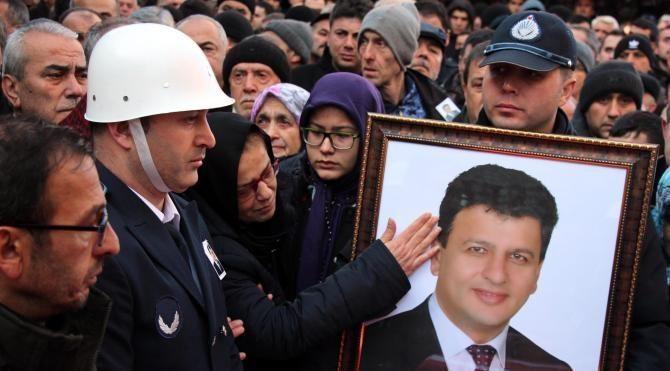 Kanserden ölen belediye başkanı toprağa verildi
