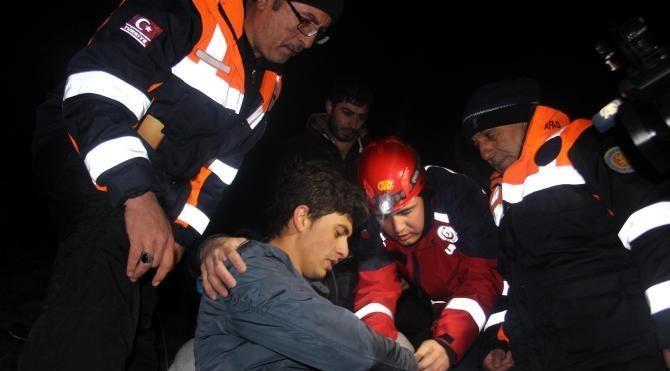 Erciyes Dağı'nda mahsur kalan genç 6 saatte kurtarıldı