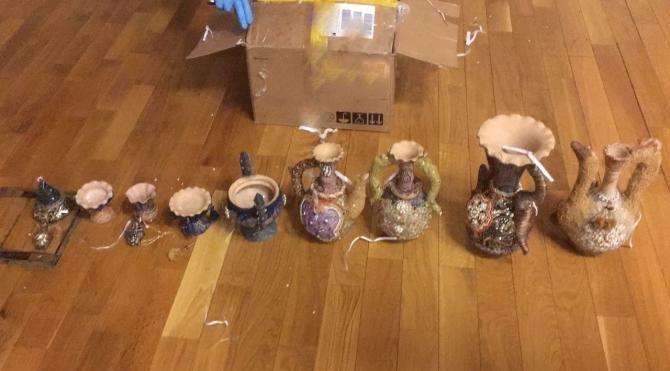 Dekoratif vazolardan uyuşturucu çıktı