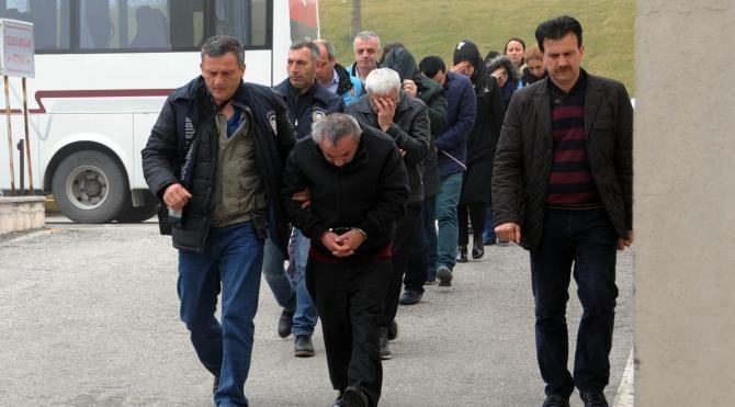 Sakarya'da FETÖ soruşturmasında 2'si müftü 20 kişi adliyeye sevk edildi