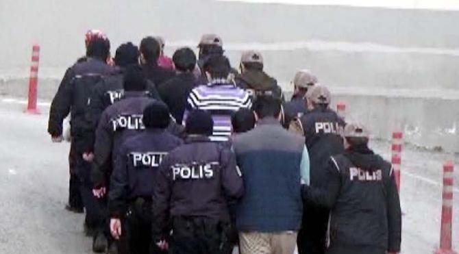 Gaziantep'te, DEAŞ'ın 3 canlı bombası tutuklandı