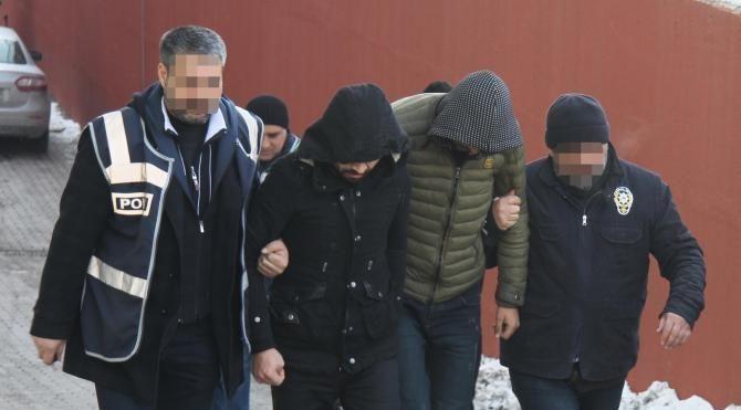 İnşaat işçisini demir çubukla dövüp, gasp eden 4 kişi yakalandı