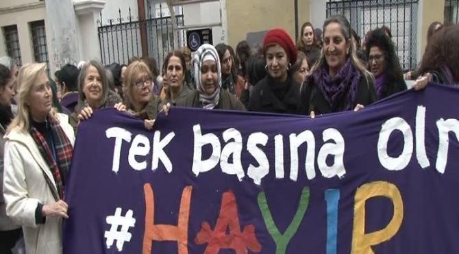 Kadıköy'de kadınlardan eylem