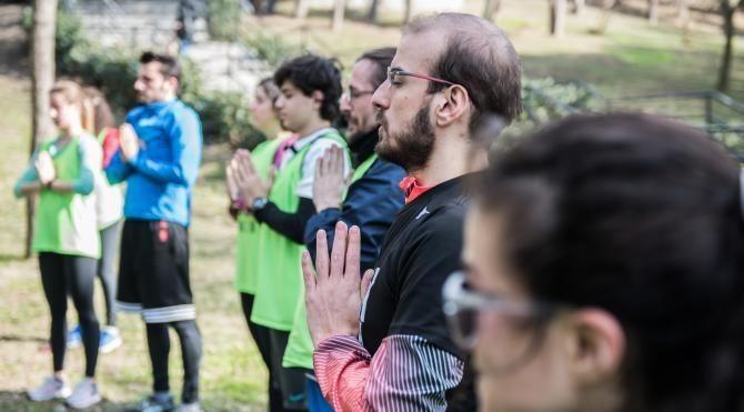 Maçka'da yogalı akrobatlı etkinlik