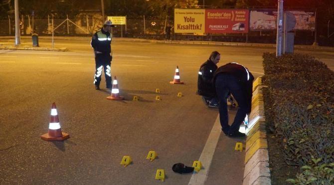 Silahlı saldırıda yaralandı, otomobille kaçarken kaza yaptı