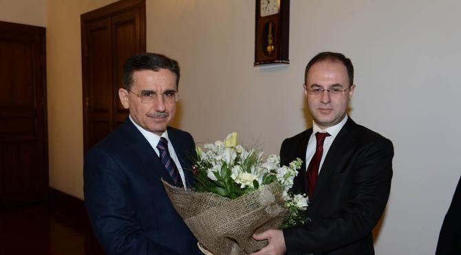 Vergi rekortmeni Ankaralı iş adamları, teşekkür belgelerini Vali Topaca'dan aldı