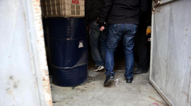 Adana'da şüpheli kimyasal varil baskını
