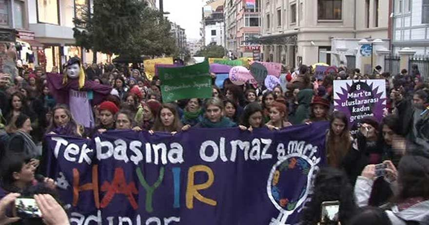 Kadıköy'de kadınların sesi: 'Hayır'