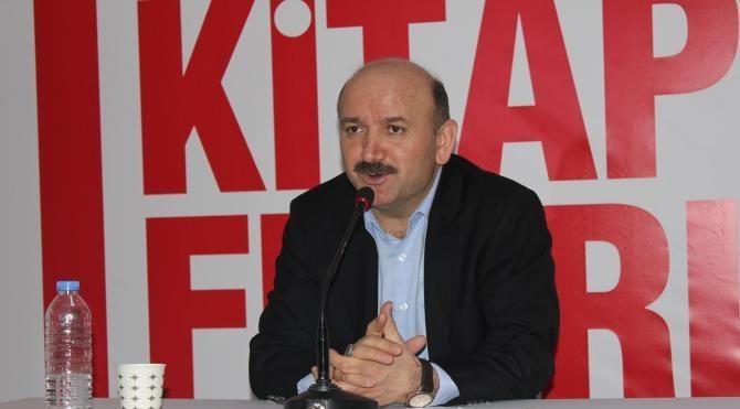 """CNR Kitap Fuarı'nda Rektör Prof. Dr. Mehmet Bulut'tan """"15 Temmuz"""" konferansı"""