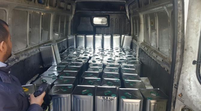 Gaziantep'te 2 ton 280 kilo kaçak zetinyağı ele geçti