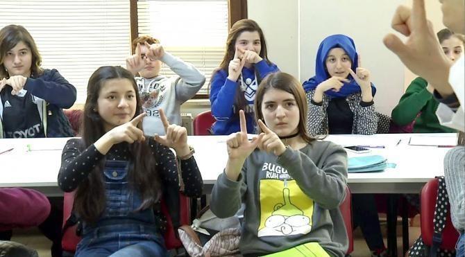 TEOG sınavı stresine işaret dili eğitimi
